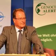 Klaus Kinkel rekapituliert die Ereignisse in Srebrenica im Juli 1995; Quelle: eigenes Foto