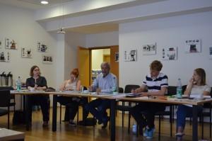 Dr. Bruno Schoch in der Abschlussdiskussion mit den Teilnehmerinnen und Teilnehmern in Frankfurt; Quelle: Genocide Alert