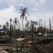 Ein niedergebranntes Haus in einem Rohingya-Dorf im nördlichen Rakhine State, August 2017 (Wikimedia/Moe Zaw (VOA))