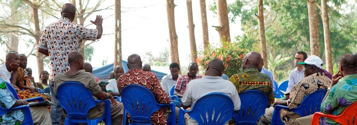 Workshop der Abteilung für Zivilangelegenheiten der UN-Operation in Côte d'Ivoire mit lokalen Führern in Bonoua 2012 (Quelle: UN PHOTO   # 511356)