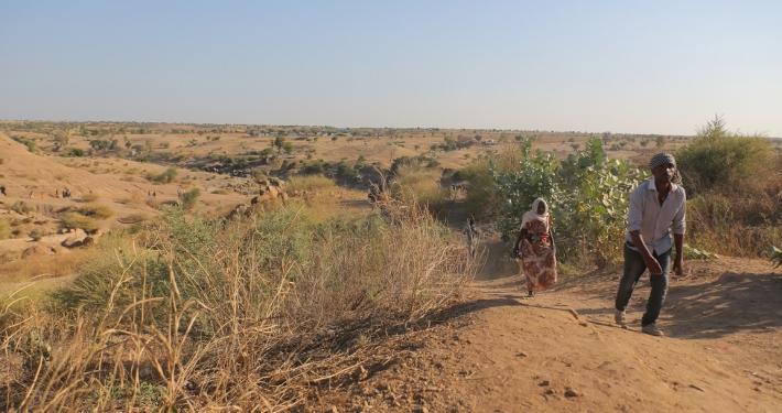 13. November 2020: Schutzsuchende fliehen vor Kampfhandlungen in Äthiopiens' nördlicher Region Tigray in den Sudan © UNHCR/Hazim Elhag