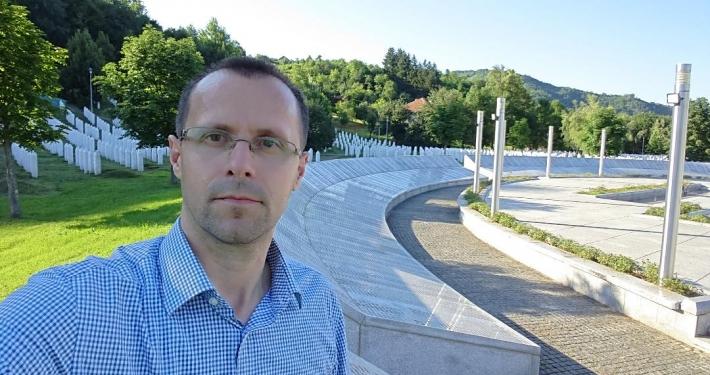 Nedžad Avdić at the Srebrenica Memorial (Photo by Nedžad Avdić)